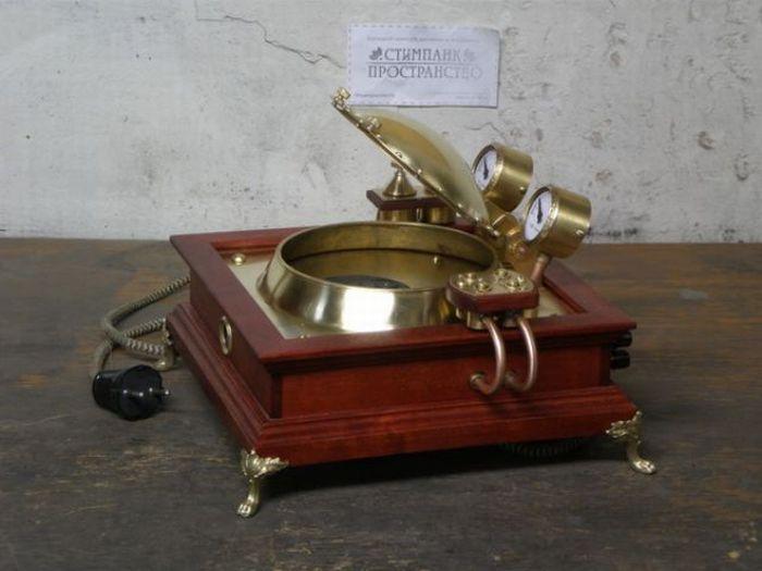 Amazing Handmade Steampunk CD Player (30 pics)
