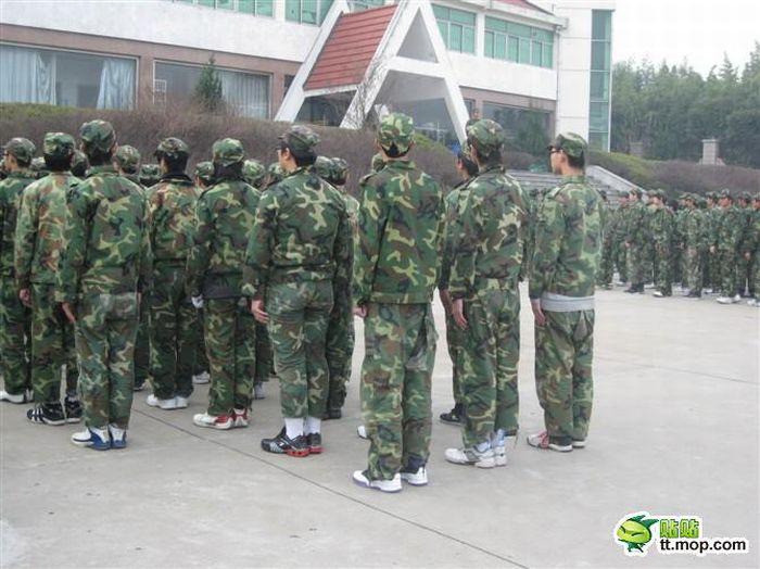 Chinese Military Camp (7 pics)