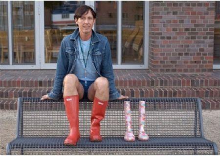 Rubber Boots Man (8 pics)