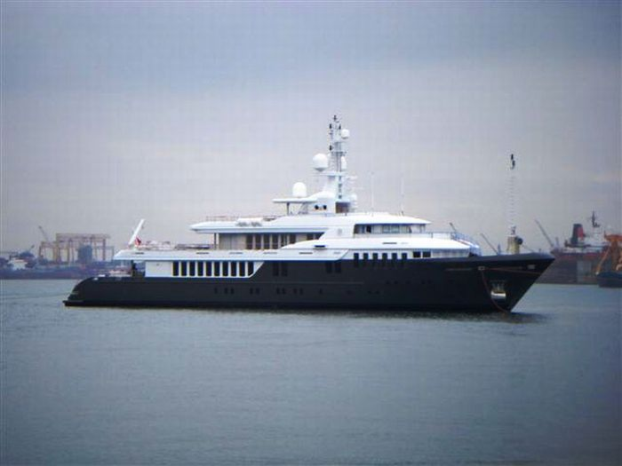 Superyacht Sirius (ex Leo Fun) is a New Yacht of the Russian President (31 pics)