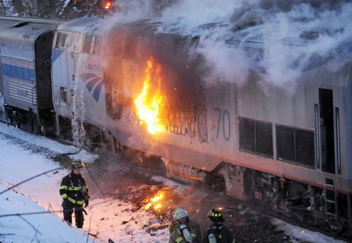 Amtrak Train Fire (7 pics)