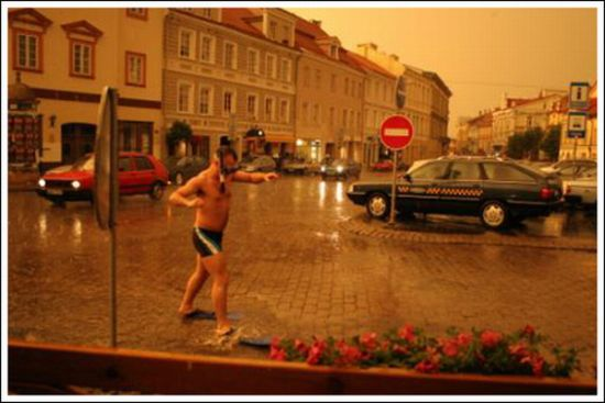 Street Swimming (6 pics)