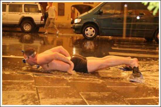 Street Swimming (6 pics)