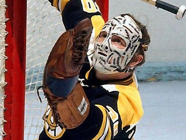 Hockey's Most Badass Goalie Masks (47 pics)