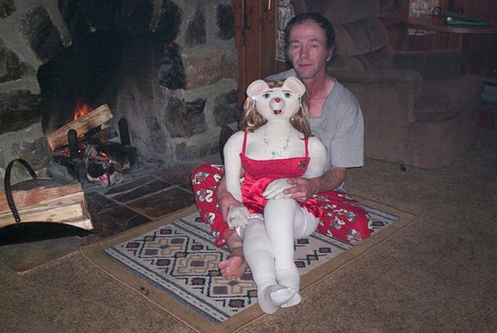 Some Guy and His Love Doll (14 pics)