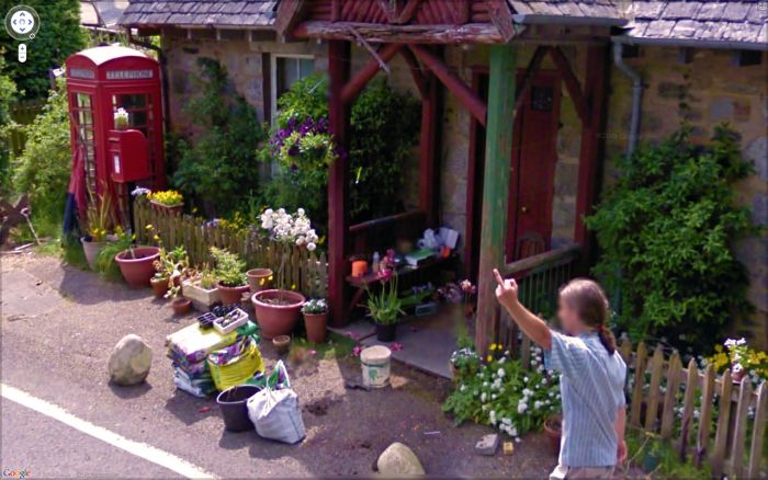 Interesting Images Found on Google Street View (52 pics)