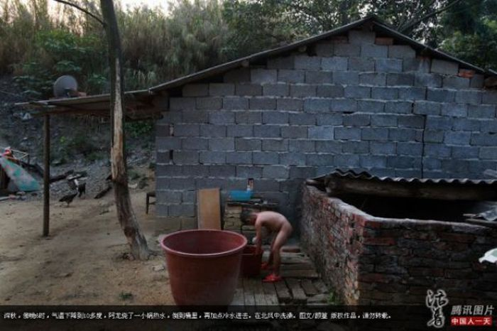 A Six-year-old Chinese Outcast (15 pics)