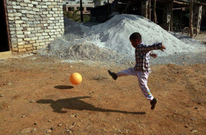 Campeón de la vida. Chino, 6 años, HIV, vive solo.