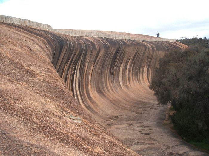 Wave Rock at Hyden, Australia (5 pics)