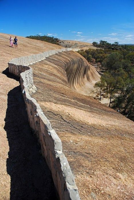 Wave Rock at Hyden, Australia (5 pics)