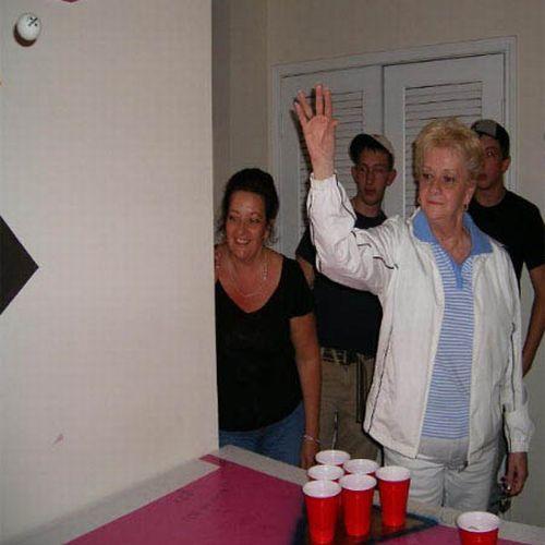Grandmas Playing Beer Pong (22 pics)