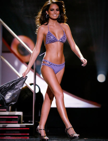 99 Sexiest Women Alive (99 pics)