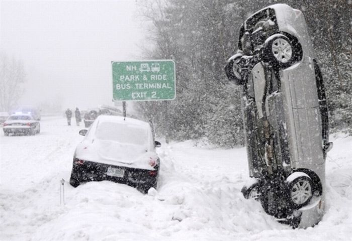 Most Amazing Pictures Of The Blizzaster Of 2011 (42 pics)