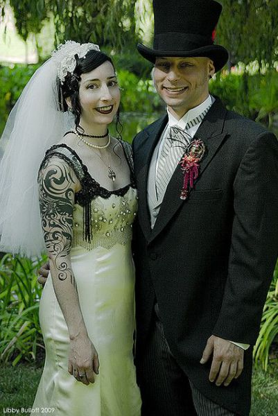 Goth Marriages (48 pics)