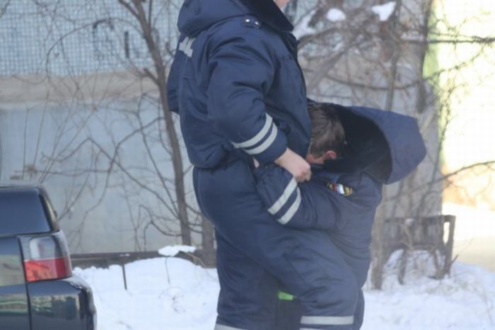 Drunk Russian Police Officers (7 pics)