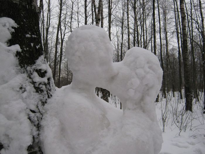 Snow People in Love (6 pics)