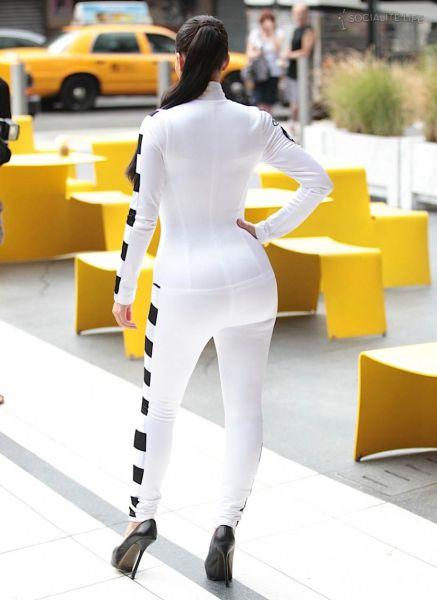 Kim Kardashian's Butt (55 pics)