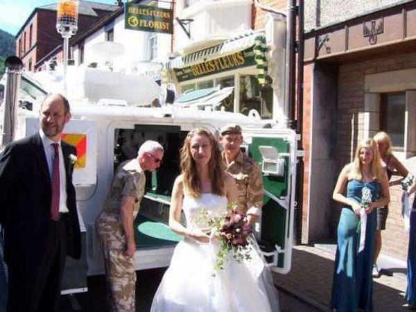 Wedding Tank (18 pics)