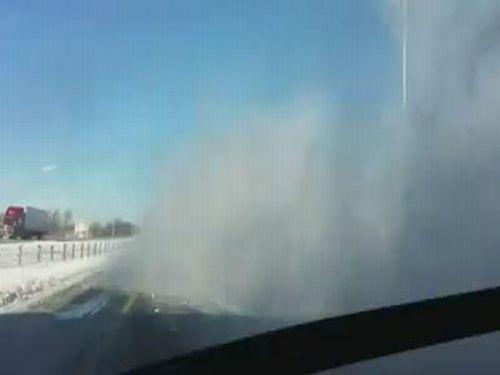 Snow Bomb