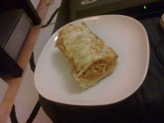 Spaghetti Sandwich (8 pics)