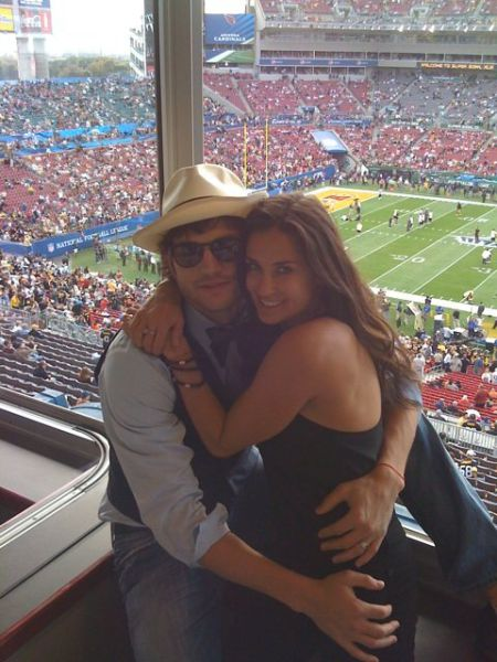 Celebrity Couples Who Look Happy (43 pics)