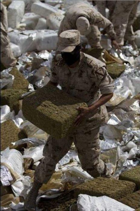 Mexico Burns 134 Tons of Confiscated Marijuana (13 pics)