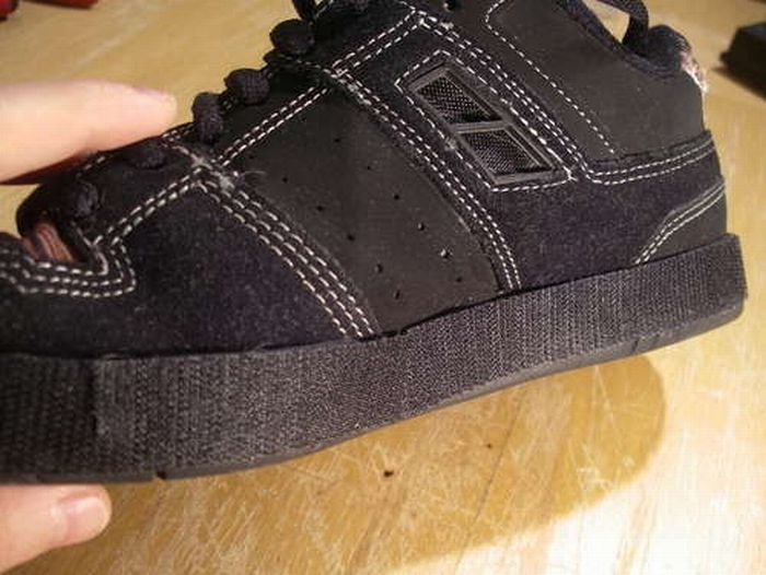 How to Make Your Old Sneakers to Look Fancy (9 pics)