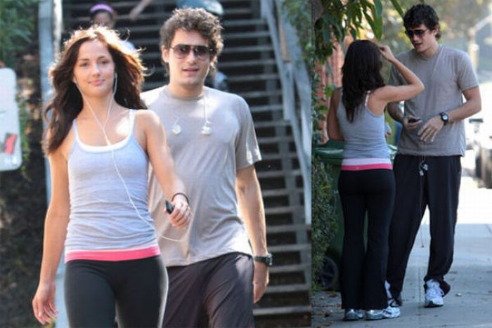Celebrities in Tight Yoga Pants (31 pics)