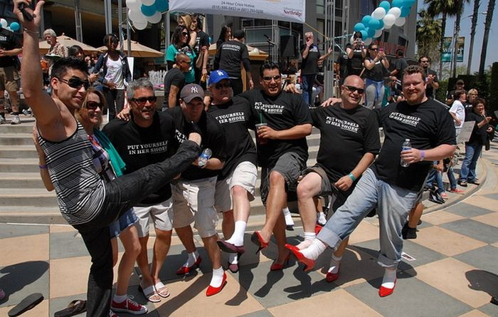 Walk a Mile in Her Shoes (7 pics)