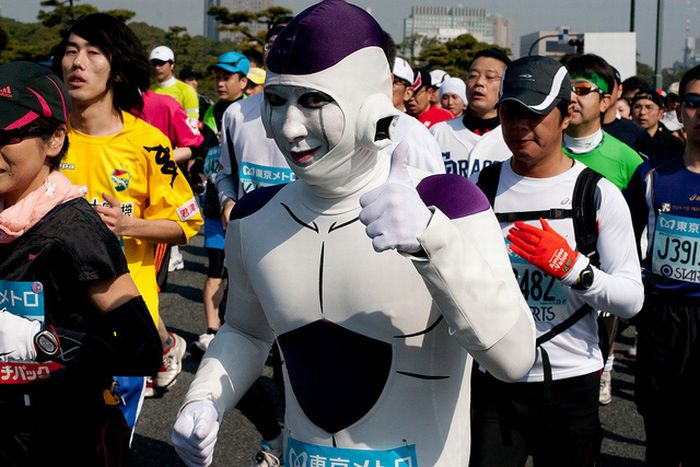 The Best Costumes at the Tokyo Marathon 2011 (30 pics)