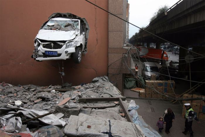 How not to Park Your Car (5 pics)