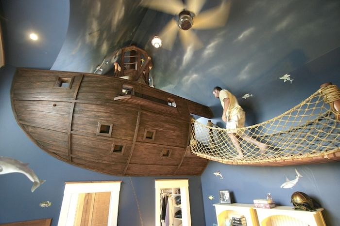 Ultimate Pirate Ship Bedroom (12 pics)