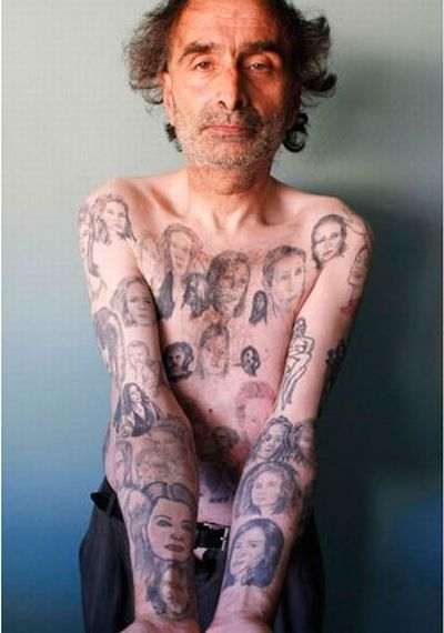 Chilean Man Has 82 Tattoos of Julia Roberts (4 pics)