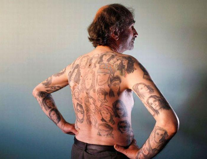 Chilean Man Has 82 Tattoos of Julia Roberts (4 pics)