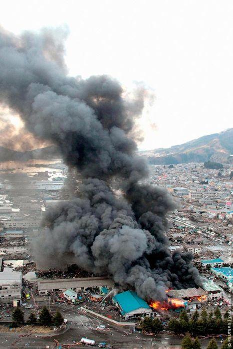 2011 Sendai Earthquake and Tsunami (100 pics)