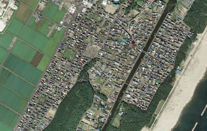 Japan Before and After Earthquake and Tsunami (42 pics)