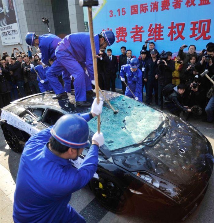 Lamborghini Driver on Destructive Path (3 pics)