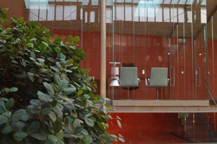 Extra Terrestrial Office (17 pics)