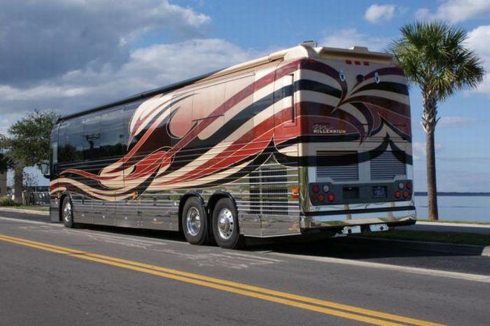 Nice Bus (21 pics)