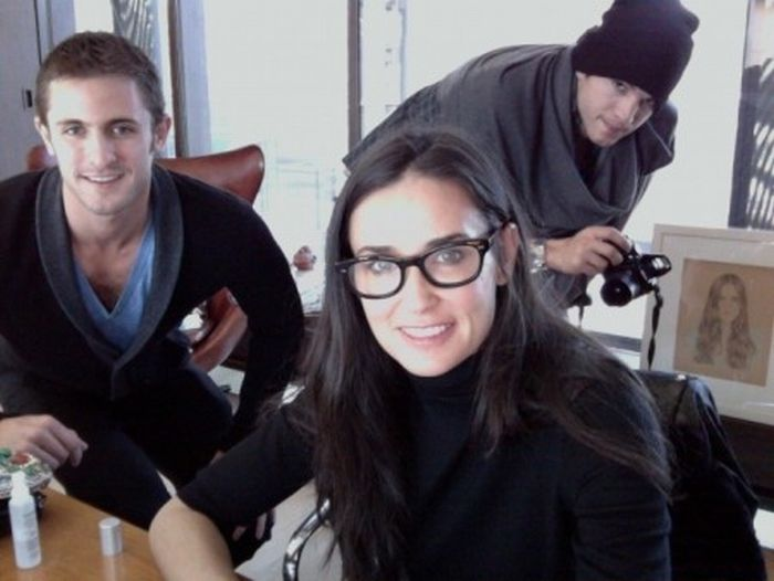 Photos of Ashton Kutcher and Demi Moore. Part 2 (20 pics)