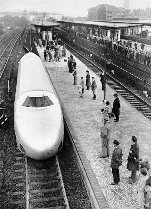 Amazing German Rail Zeppelin (Schienenzeppelin) (7 pics)