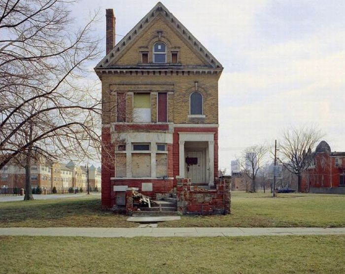 Abandoned Detroit Homes for Sale (98 pics)