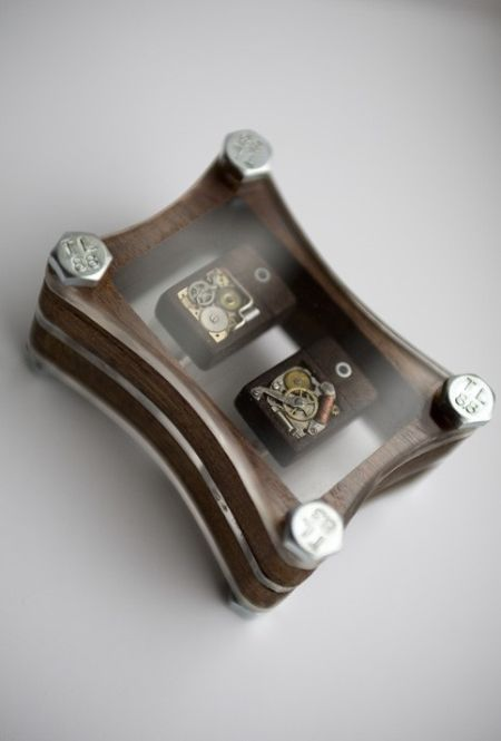 Cool Steampunk USB Cufflinks (4 pics)