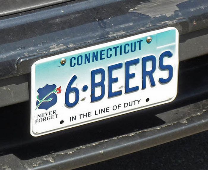 "License Plates That Scream ""Pull Me Over!"" (22 pics)"