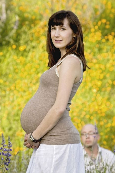 The Strangest Pregnancy Photos Ever (43 pics)