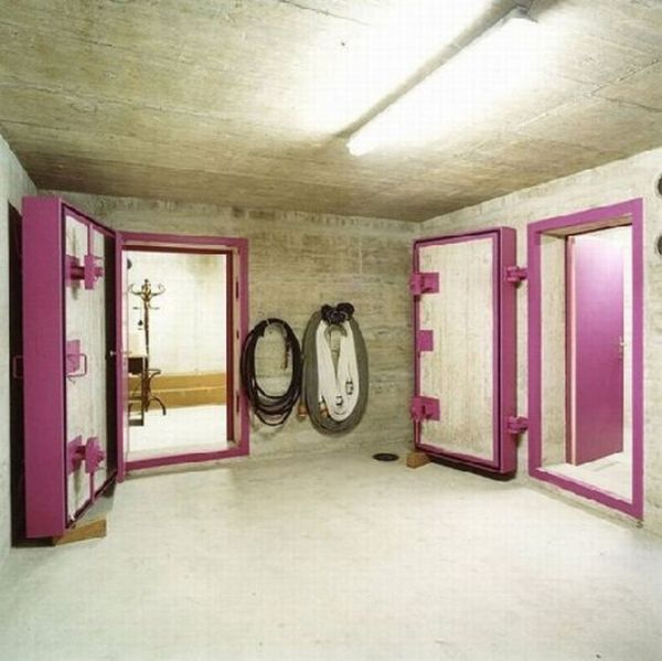 Private Bomb Shelters (19 pics)