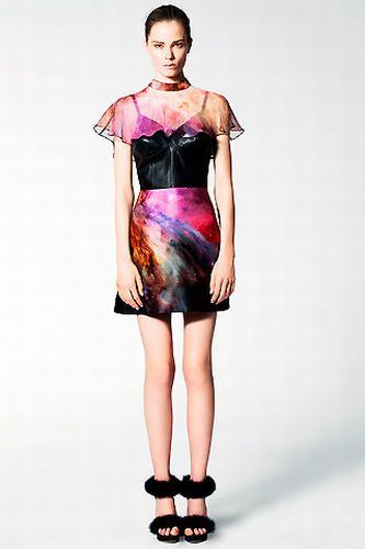 All the Beauty of Space on Your Dress (46 pics)