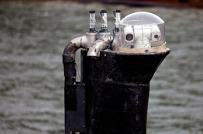 Inside Cocaine-Smuggling Submarines (11 pics)