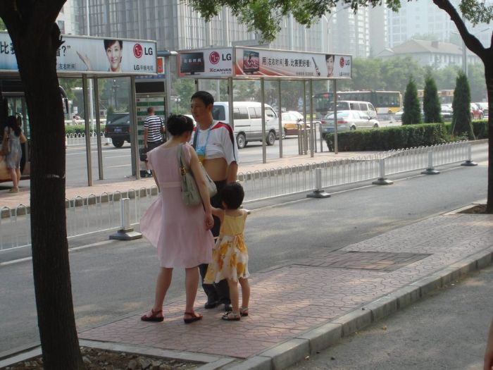 The Chinese Shirt Roll (13 pics)