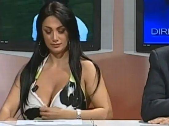 Marika Fruscio Has Problems with Her Dress